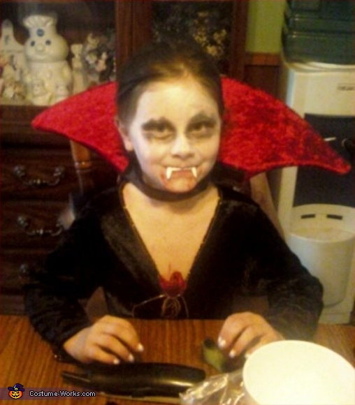Vampire Girl - Homemade costumes for girls