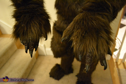 complete hands, She-Werewolf Costume