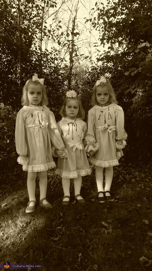 come play with us, Shining Triplets Costume