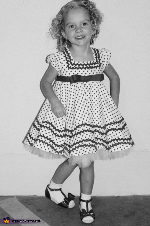 Shirley Temple (Classic Black & White), Shirley Temple Costume