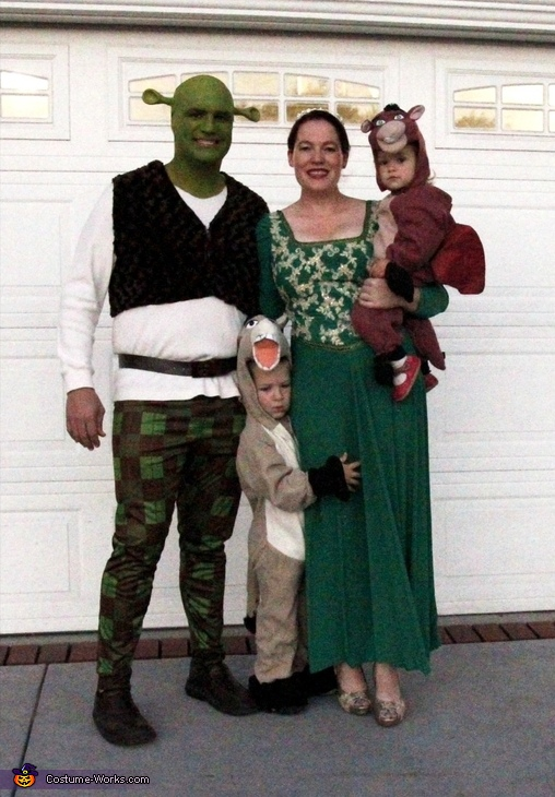 Shrek and Fiona Family Costume