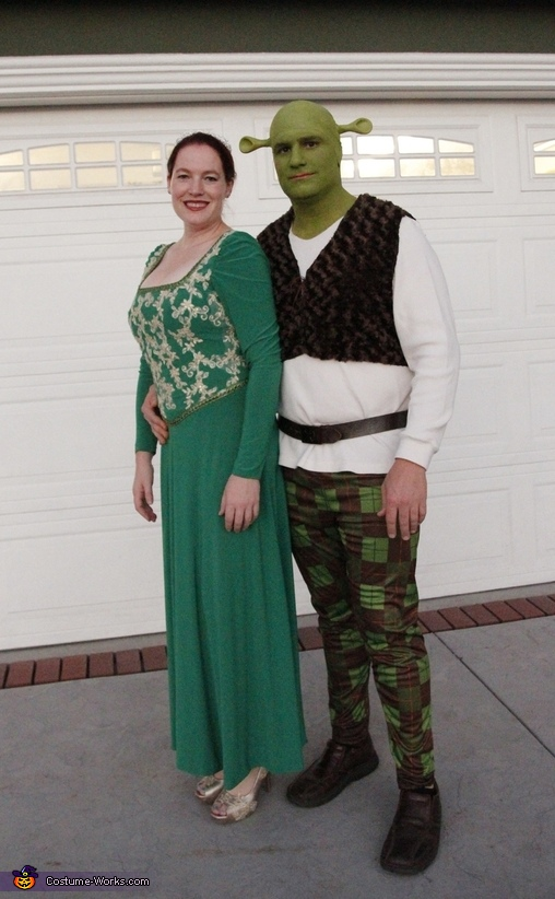 Shrek Fiona Donkey and Dronkey Costumes  sc 1 st  Costume Works & Shrek and Fiona Family Halloween Costume - Photo 2/2