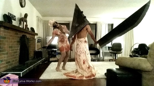 Silent Hill Nurse & Pyramid Head, Silent Hill Bobble Head Nurse & Pyramid Head Costume