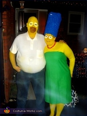 Homer and Marge Simpson - Homemade costumes for couples