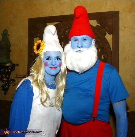 couples halloween costume idea papa smurf and smurfette couples costume