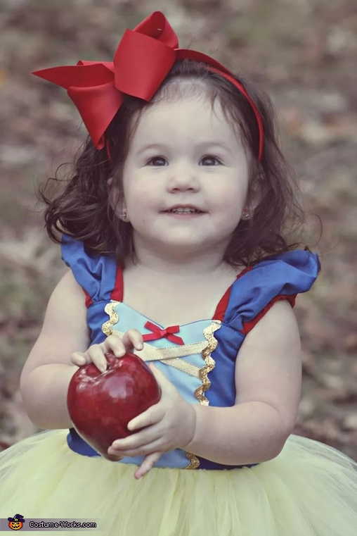 The apple, Snow White Baby Costume