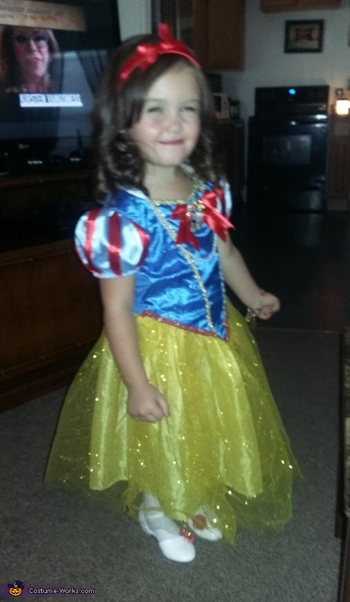 Maddyson as Snow White, Snow White Costume