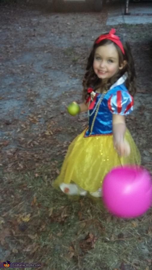 Snow White, Snow White Costume