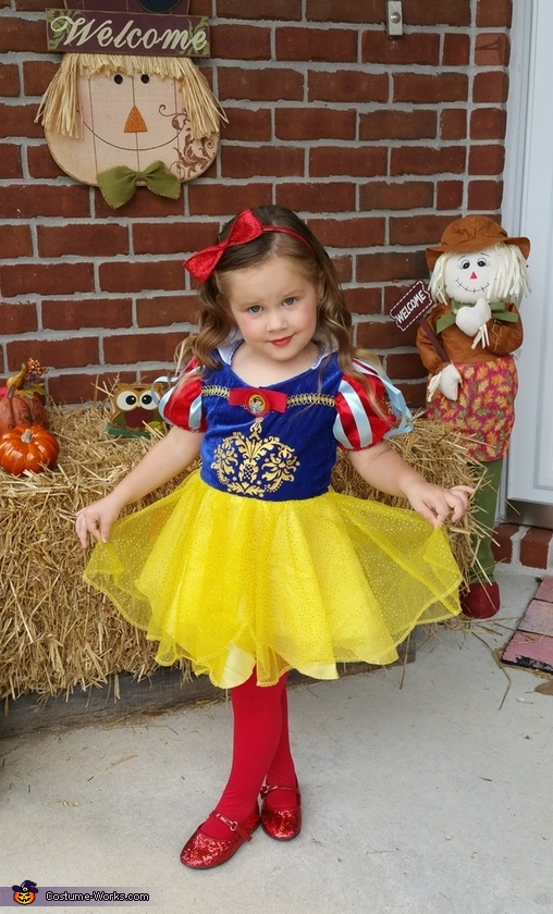 Snow White, Snow White and Dopey Costume