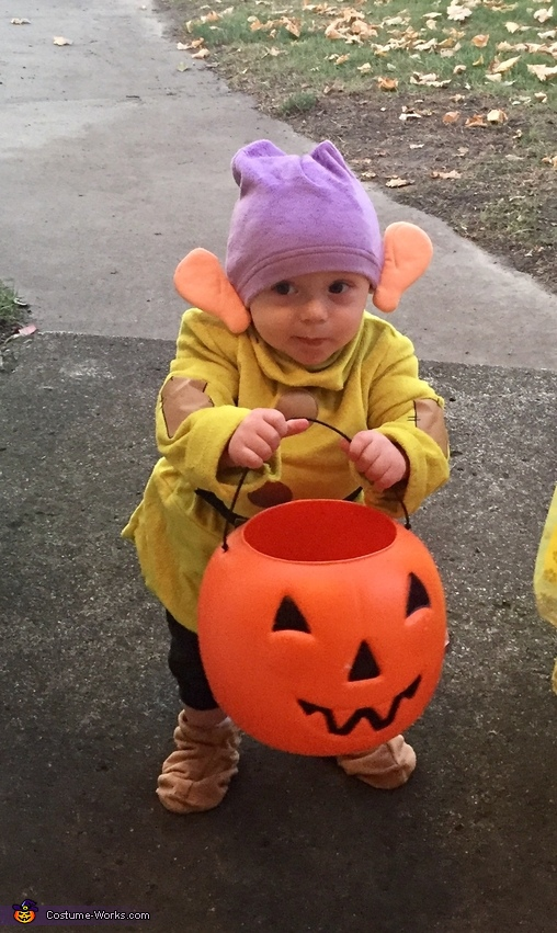 Snow White and Dopey Costume