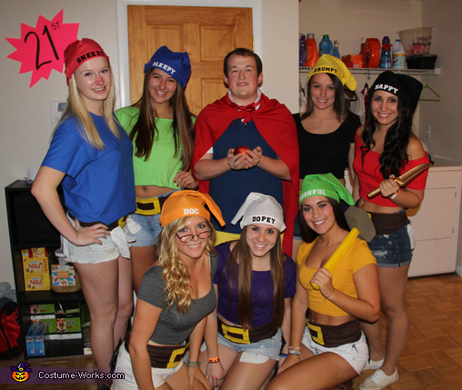 Snow White and his Seven Dwarfs Group Costume