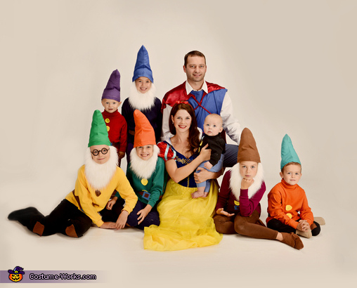 Snow White and the Seven Dwarfs, Snow White and the Seven Dwarfs Family Costume
