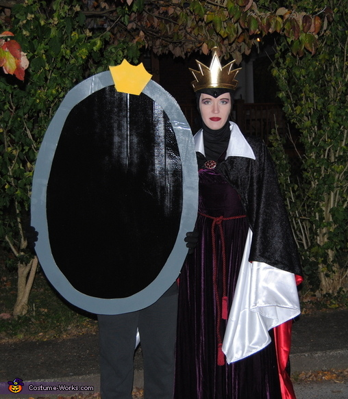 Evil Stepmother and her Magic Mirror, Snow White and the Seven Dwarfs Family Costume