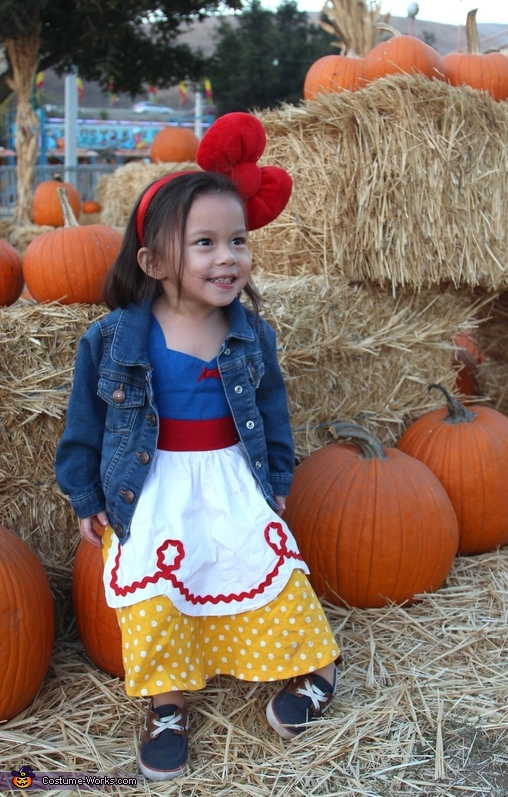 Snow White at Pumpkin Patch Costume