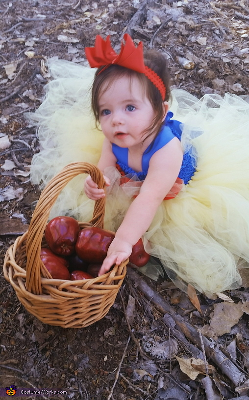 Poison Apple's, Snow White Costume