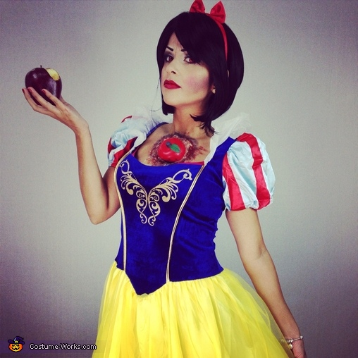 Snow White eat the wrong Apple Costume
