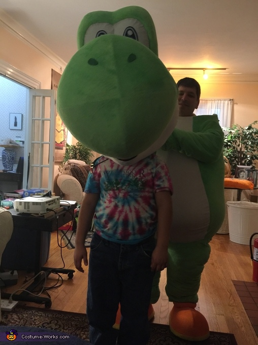 Son tests new head, Yoshi Costume