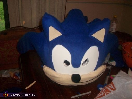 Added face with snout and nose, Sonic the Hedgehog Costume