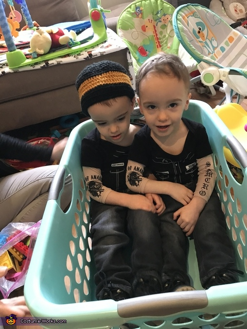 Opi and Jax (SOA) chillin', Sons of Anarchy Costume