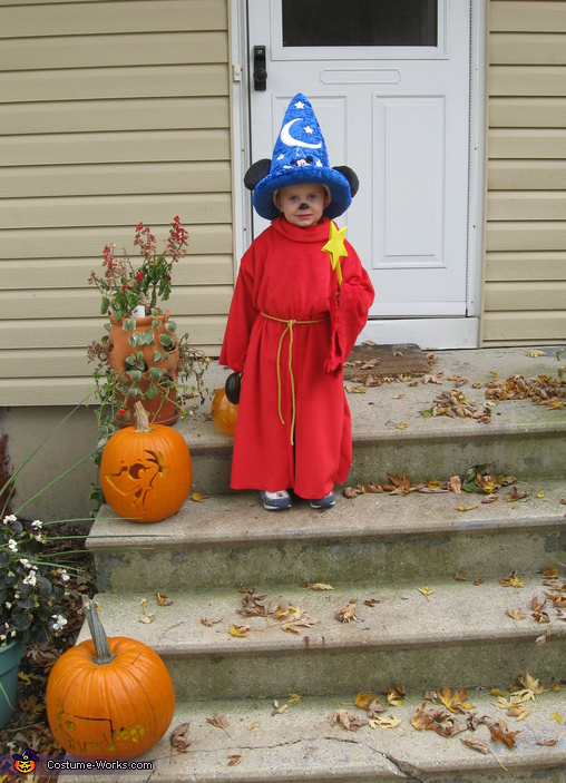 Sorcerer Mickey - Homemade costumes for boys