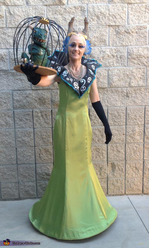 Sorceress Gazelda with Pet Dragon Costume