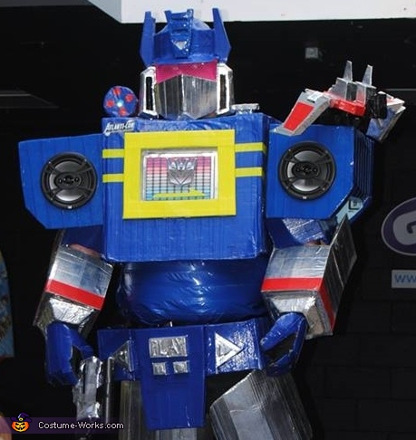 how to make a soundwave costume