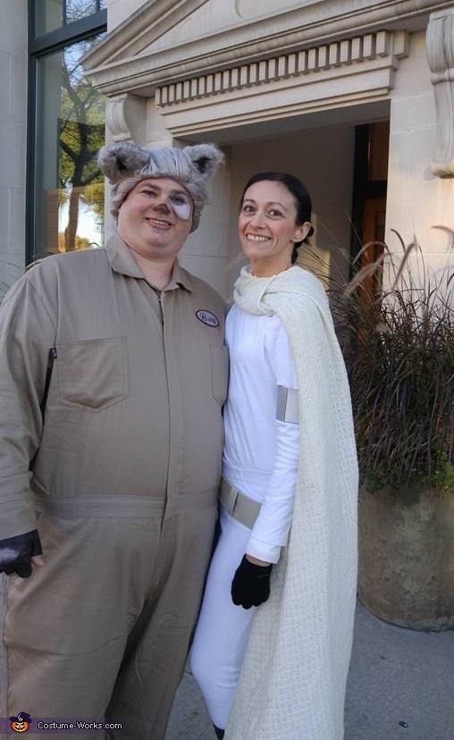 Mawg and Amidala, Spaceballs Barf Costume