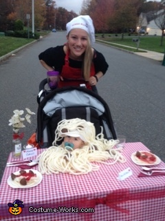 On route - Momma Mia and Baby Armando, Spaghetti and Meatballs Family Costume