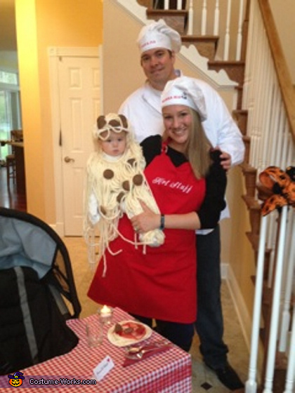 Spaghetti and Meatballs Family Costume