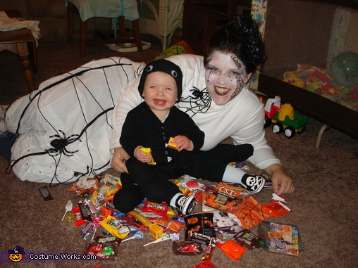 Baby Spider and Mommy Web with our Haul!, Spider and Web Costume