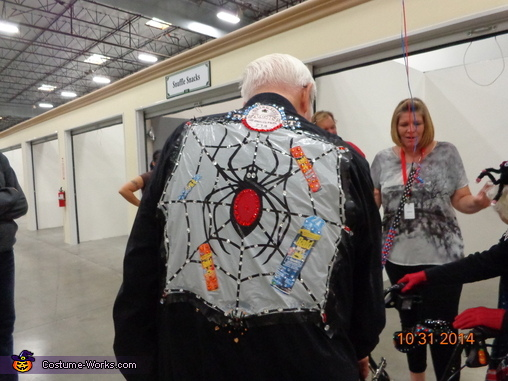 BACK OF BODYGUARD'S PULLOVER, Spiderman's Mother & her Bodyguard Costume