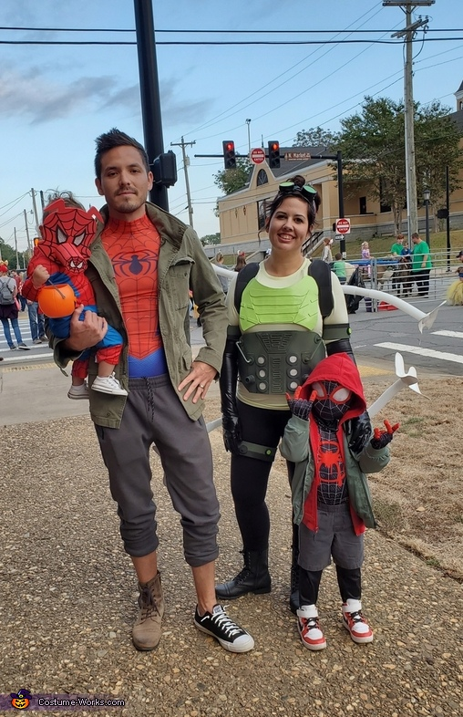 Spiderverse Family Costume