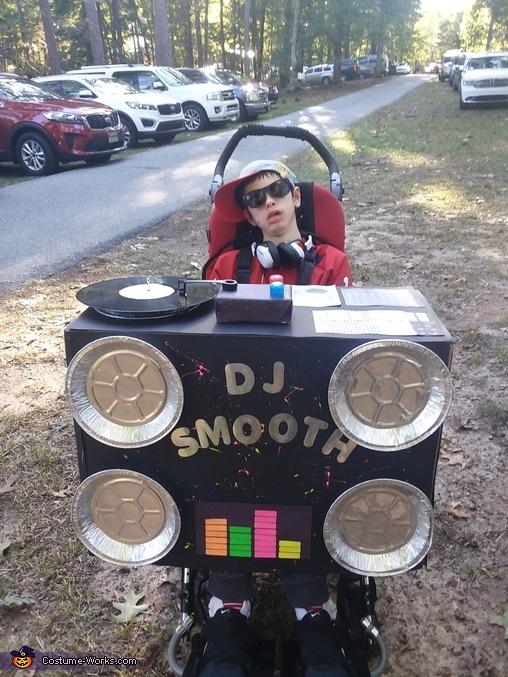Spinnin' Beats Costume