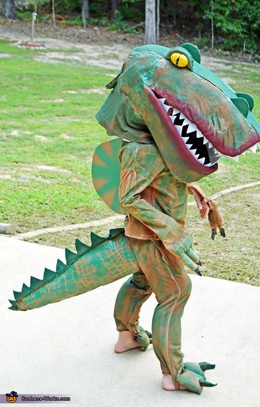 : dinosaur costume video  - Germanpascual.Com