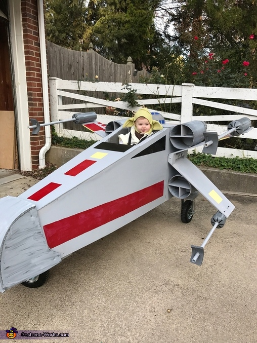 Yoda in the XWing, Star Wars Family Costume