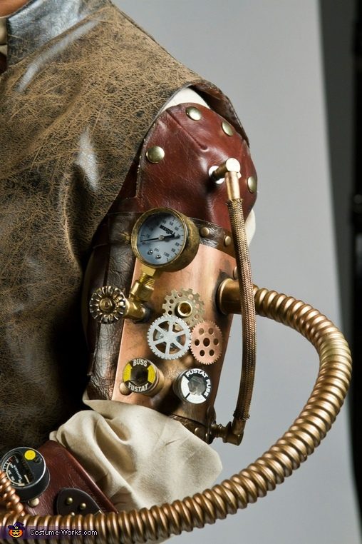 My leather Steampunk arm, Steampunk Costume