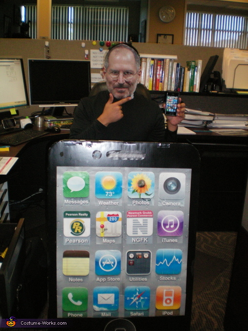 Steve Jobs posing at the camera, Steve Jobs and iPhone/iPad Costume