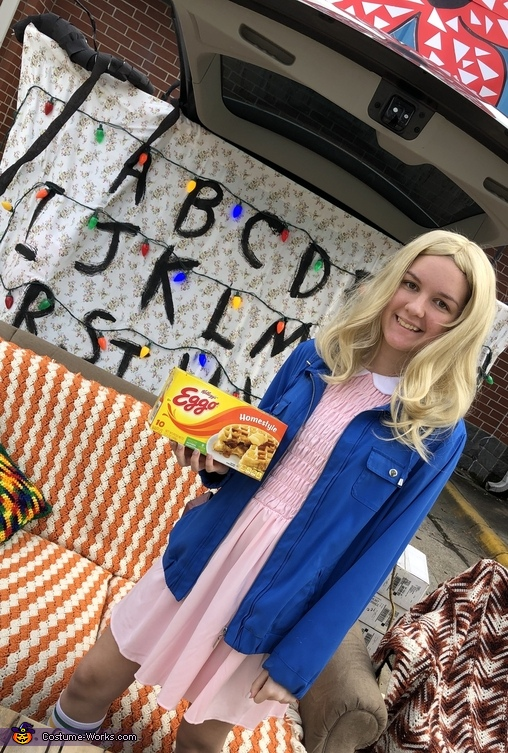 Eleven and her waffles, Stranger Things Costume