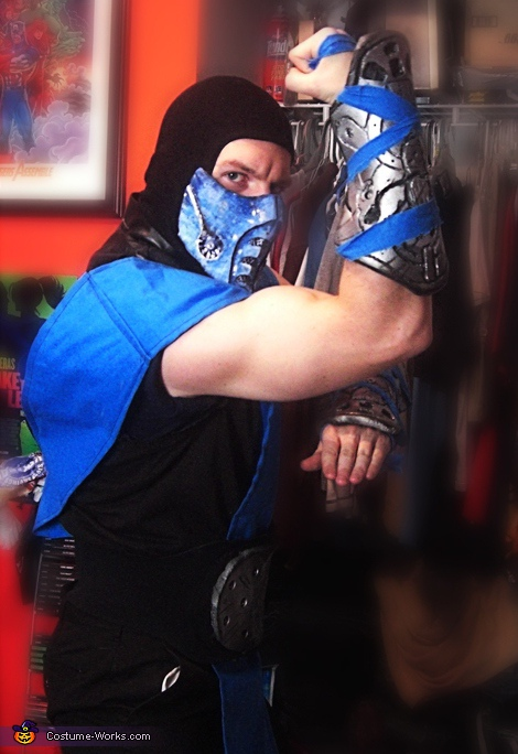 Finish Him!, Sub-Zero Costume