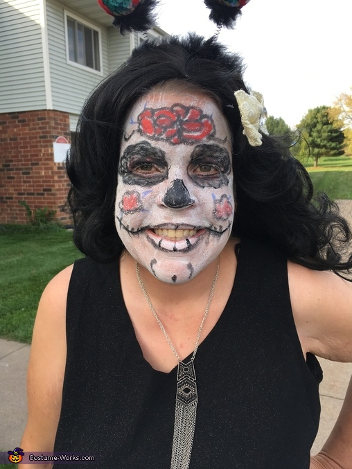 Easy Diy Sugar Skull Day Of The Dead Costume Photo 45