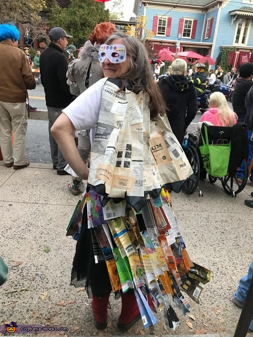 Back, Super Book Nerd Costume