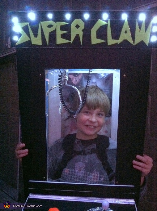 Super Claw in the dark!, Super Claw Costume