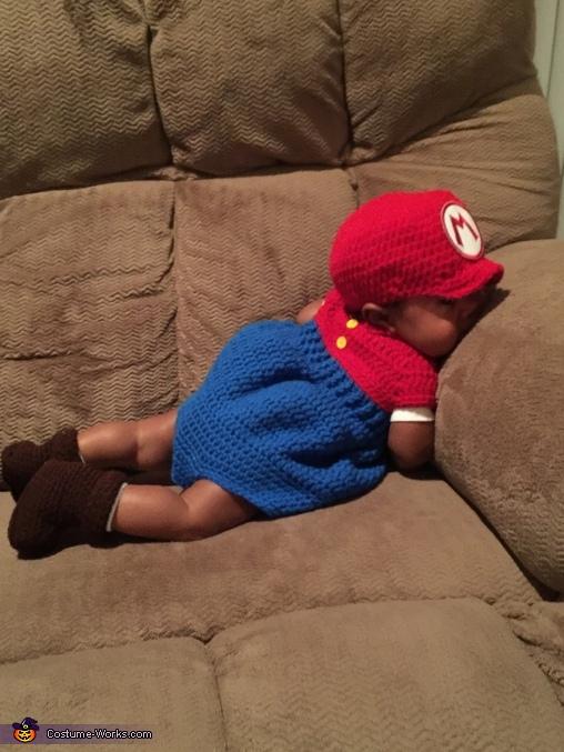 Game Over, Super Mario Costume