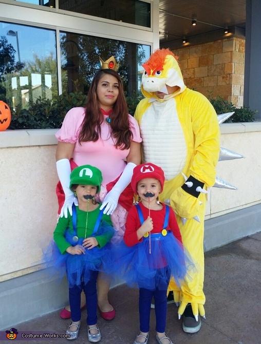 Super Mario Family Costume Works