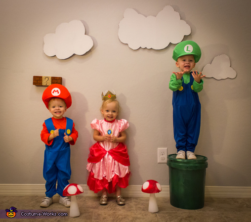 Mario, Princess Peach and Luigi, Super Mario Triplets Costume