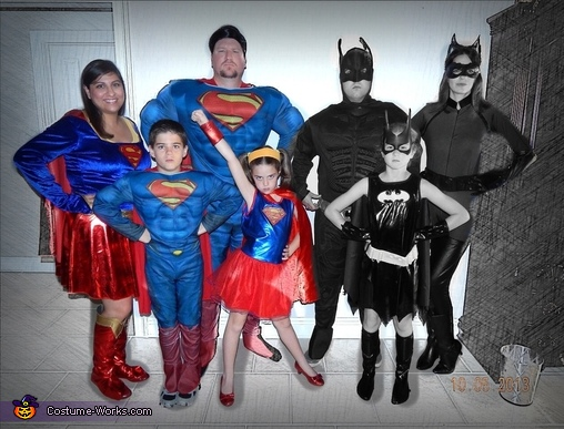 The whole gang, SuperFam Family Costume