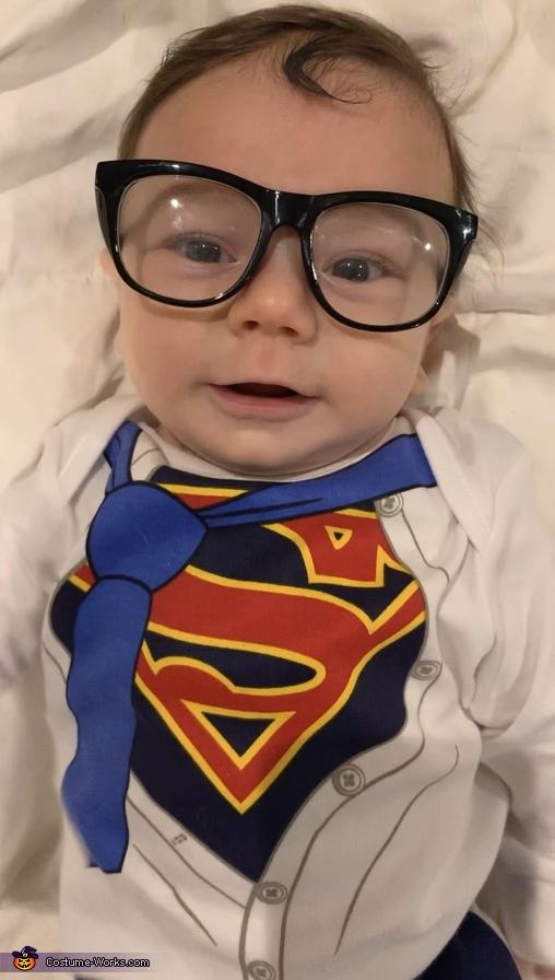 Leo as Clark Kent/Superman, Superheroes Unite! Costume