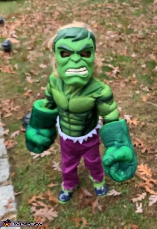 Alexander as the Hulk, Superheroes Unite! Costume