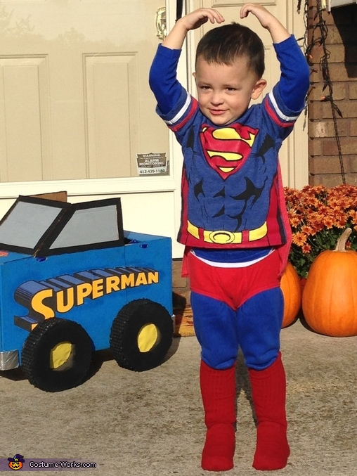 Supermans muscles, Superman Monster Truck Costume