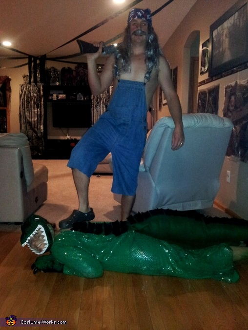 Bagged the gator, Swamp People Bruce and Gator Couple Costume